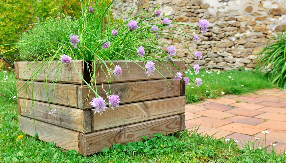 A planter is a simple DIY project for your old fence panels.